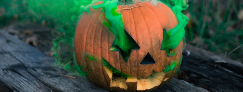 green smoke coming out of a pumpkin: eco-friendly halloween